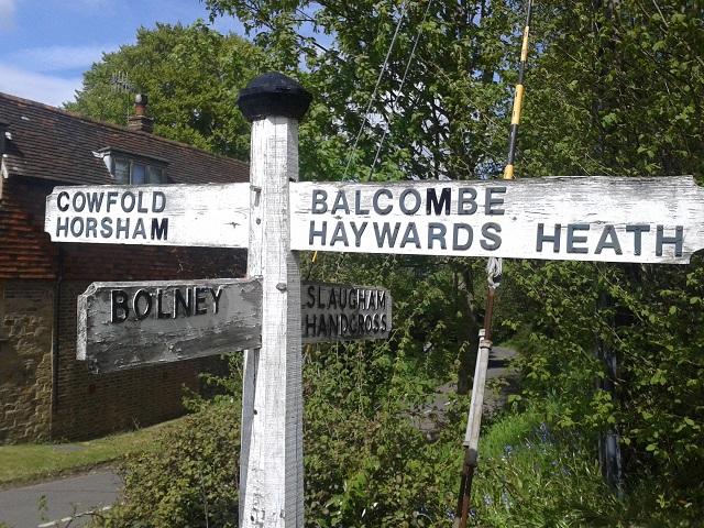 Warninglid Signpost